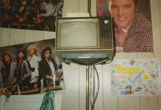 teenagers-1980s-bedroom-walls-23.jpg